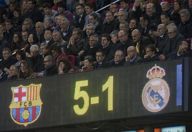 Real thua tham Barca: Dem Halloween kinh hoang duoc thay truoc hinh anh