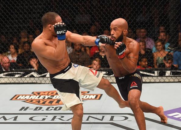 Cuu vo si MMA so 1 the gioi roi UFC, dau o giai moi hinh anh 2
