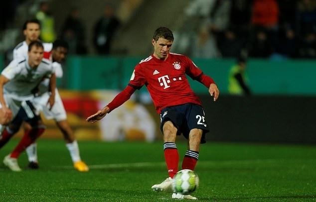 Bao Duc: Sao Bayern Munich noi loan, am muu lat ghe HLV Kovac hinh anh 2