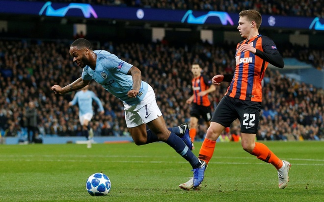 Man City 6-0 Shakhtar Donetsk: Sterling tu nga cung co phat den hinh anh