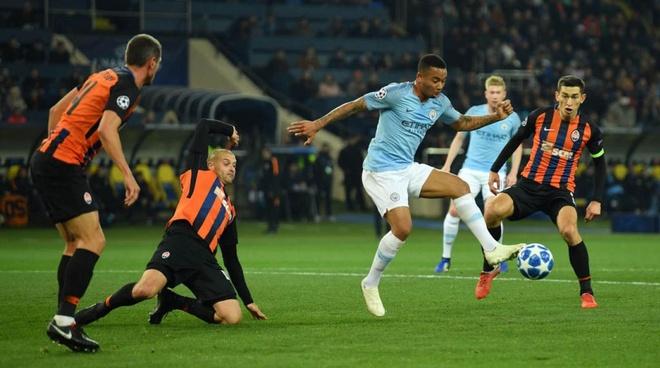Man City 6-0 Shakhtar Donetsk: Sterling tu nga cung co phat den hinh anh 2