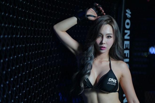 Lee Ji Na - 'Ring Girl' nong bong nhat lang One Championship hinh anh 2