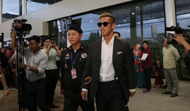 Danh thu Keisuke Honda tro lai cuu nguy cho tuyen Campuchia hinh anh 1