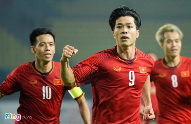 'Bay gio, tuyen Viet Nam khong so doi nao o AFF Cup' hinh anh