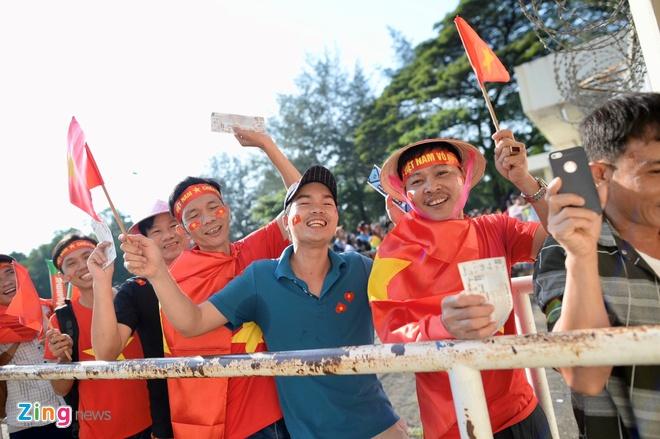 Viet Nam gap Campuchia, HLV Park can giai phong Quang Hai hinh anh 1