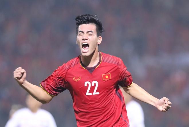 'Tuyen Viet Nam phai tan dung the he vang nay de huong toi World Cup' hinh anh