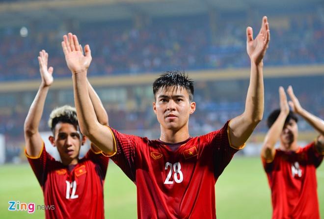 Tuyen Viet Nam co the roi Ha Noi vao TP.HCM chuan bi ban ket AFF Cup hinh anh 1