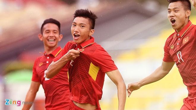 Doan Van Hau vao Top 4 tai nang tre AFF Cup 2018 hinh anh