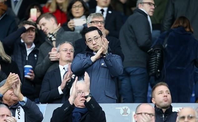 Co dong vien Watford tri an co Chu tich Leicester Vichai hinh anh