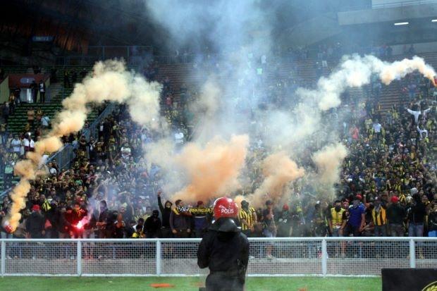 Ultras Malaysia - nhung 'ga dien' cua Dong Nam A hinh anh 1