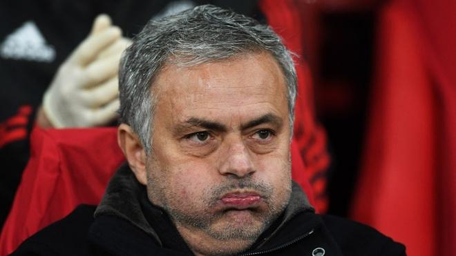 Jose Mourinho, nan nhan 'chet chim' tren con tau lac hau hinh anh
