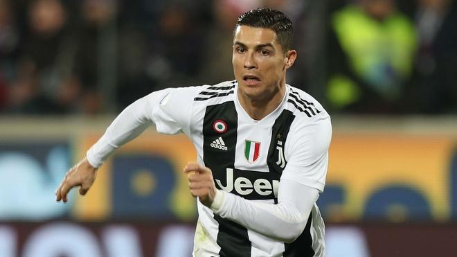 Ronaldo va ganh nang tuoi 33 hinh anh 2