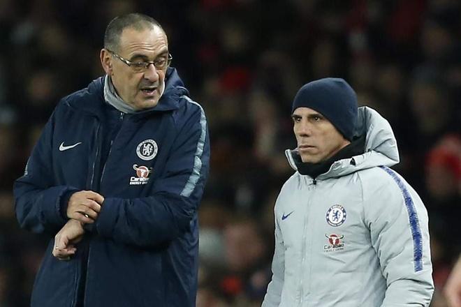 Bao Italy: Gianfranco Zola the cho HLV Sarri tai Chelsea hinh anh 2
