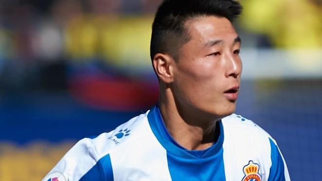 CLB La Liga ra mat ao dau danh rieng cho tien dao so 1 Trung Quoc hinh anh