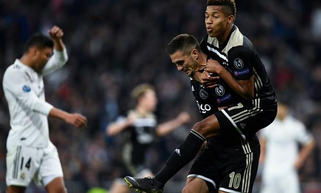 'Zidane that thong minh khi roi Real cung luc voi Ronaldo' hinh anh 1
