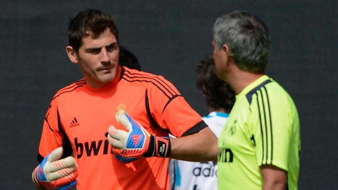 Iker Casillas va man tra thu ngot ngao voi Mourinho hinh anh 1