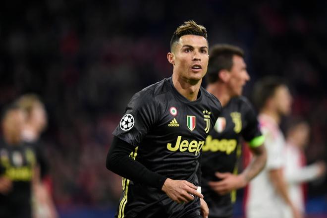 'Ca doi Ajax hop suc moi mong ngan duoc Ronaldo' hinh anh 2