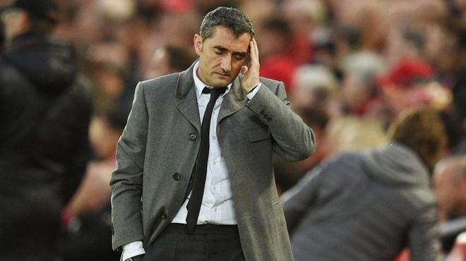 HLV Barca truoc nguy co tra gia dat vi thua tui ho Liverpool hinh anh 1