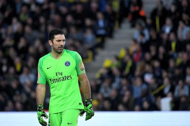 Iker Casillas sau cung da chiu 'thua' Buffon hinh anh 3