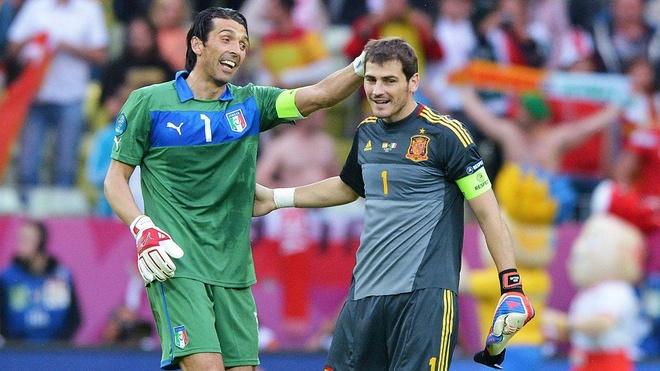 Iker Casillas sau cung da chiu 'thua' Buffon hinh anh 1