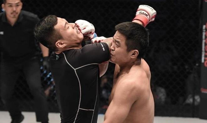 Võ sĩ Hàn Quốc thực hiện cú knock-out sau 5 giây