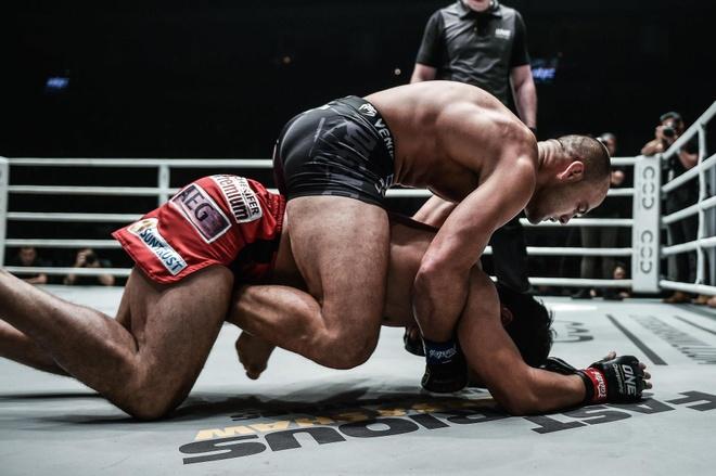 Lo MMA dang so nhat Philippines thua nang ne tren san nha hinh anh 3