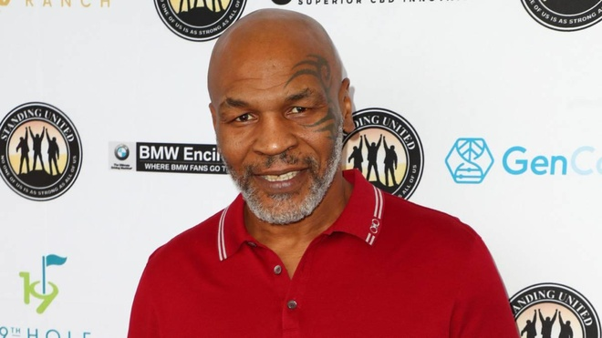 Mike Tyson dung 'cau nho gia', nuoc tieu con minh khi kiem tra doping hinh anh 1