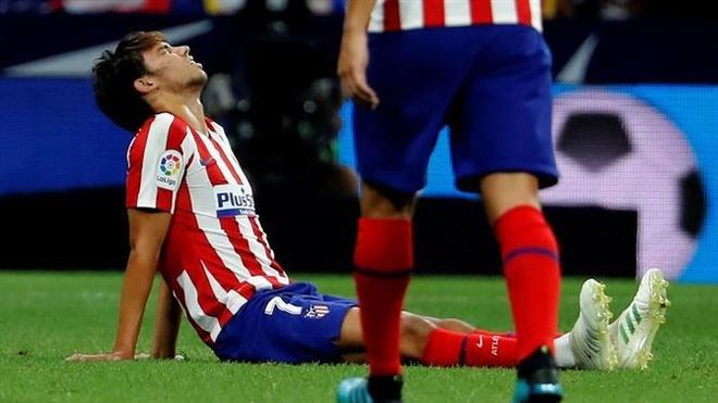 Griezmann, Hazard va 300 trieu euro bi lang phi hinh anh 2