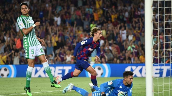 Griezmann 'ninh' Messi trong ngay lap sieu pham truoc Betis hinh anh 1
