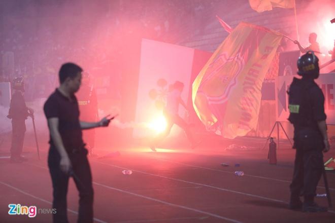 HLV Nam Dinh: 'Do la pha hoai chu khong phai co vu' hinh anh 1