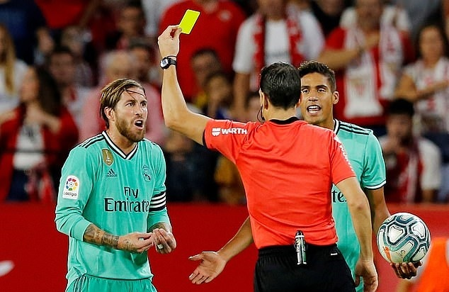 Benzema ruc sang dua Real Madrid len top dau La Liga hinh anh 8