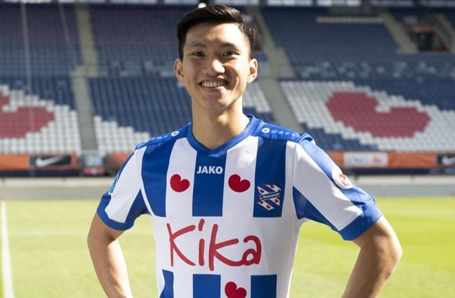 HLV Heerenveen nhin thay tiem nang cua Van Hau hinh anh 1