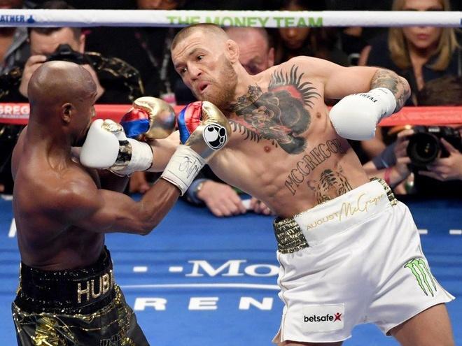 Conor McGregor doi mat an tu vi toi danh nguoi hinh anh 1