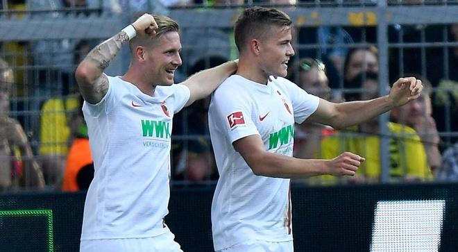 Lewandowski thang hoa, Bayern van mat diem phut chot hinh anh 2