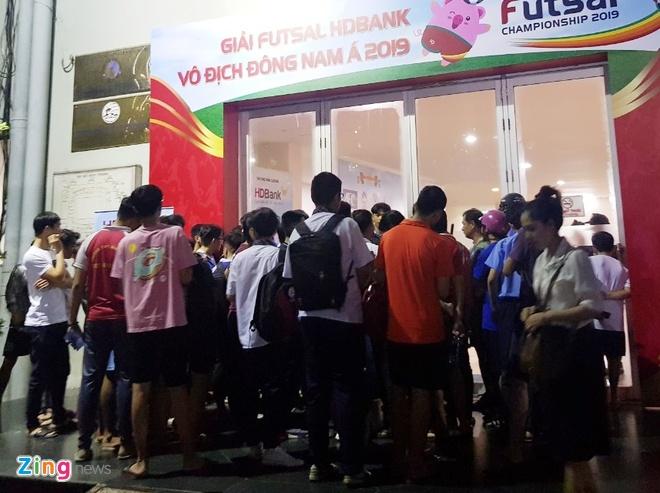 Lý do nhiều khán giả không được vào xem trận futsal Việt Nam - Australia