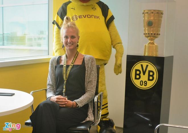 Nu HLV Dortmund gui loi khuyen cho Van Hau, Cong Phuong hinh anh 1
