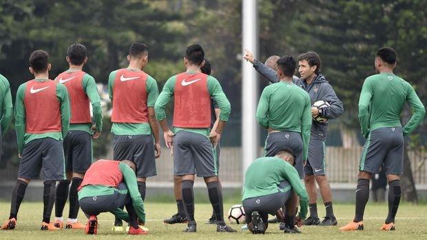 Lucky88 phân tích: HLV Luis Milla từng dẫn dắt tuyển Indonesia