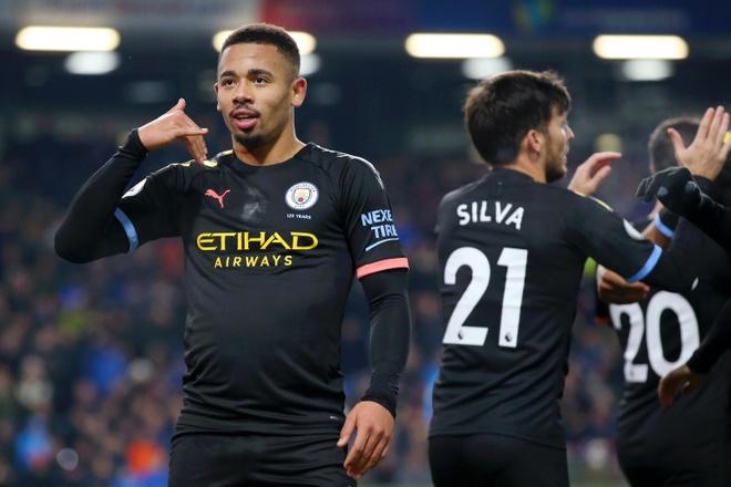 Man City trut con thinh no len Burnley bang tran thang 4-1 hinh anh 1