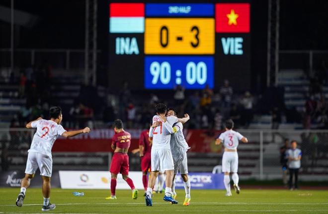 'Trinh do cau thu Viet Nam da vuon toi dinh Dong Nam A' hinh anh 1