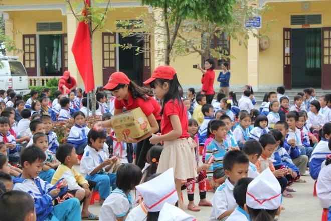 Vo Thu Ha The Voice Kids mo cua bat oc hinh anh 7