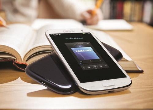 Samsung Galaxy S3 gia soc mang nhieu loc xuan hinh anh