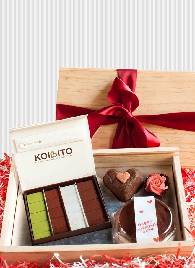 Set hop qua go Valentine chocolate tuoi va banh Nhat doc dao hinh anh 3