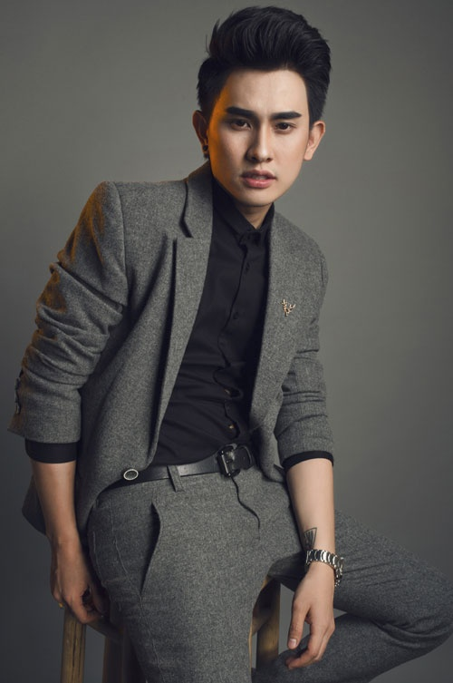 Giai ma hot boy lang trang diem Khai Thien hinh anh 3