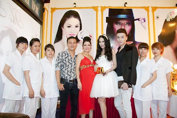 Phi Thanh Van hop tac nha dau tu mo rong thi truong my pham hinh anh