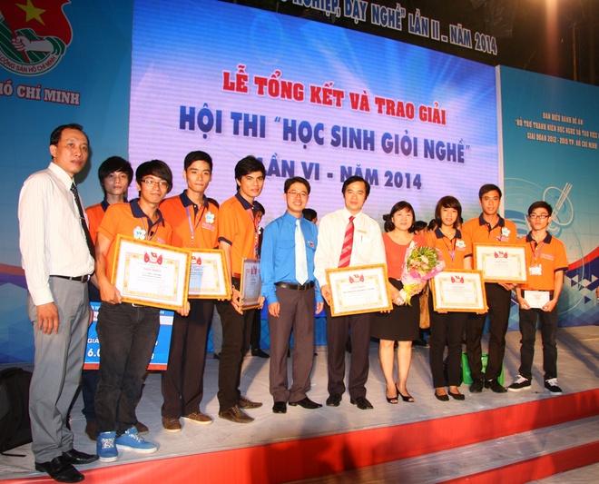 Cao dang thuc hanh HUTECH tuyen sinh khoa thang 5 hinh anh 2 Sinh viên cao đẳng thực hành HUTECH với những giải thưởng xuất sắc tại lễ trao giải Học sinh giỏi nghề TP.HCM năm 2014