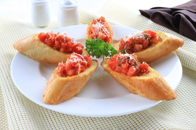 Thuong thuc pasta va pizza nguyen ban Italy tai Ha Noi hinh anh