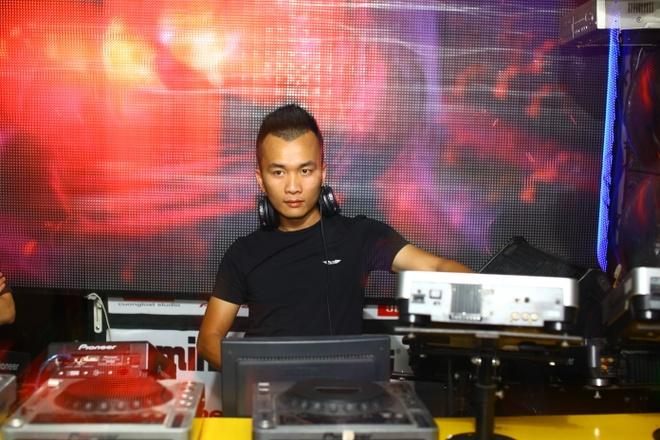 Cuong Lost dao tao DJ hinh anh 1