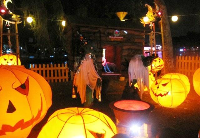 Halloween cuc chat tai Dam Sen hinh anh