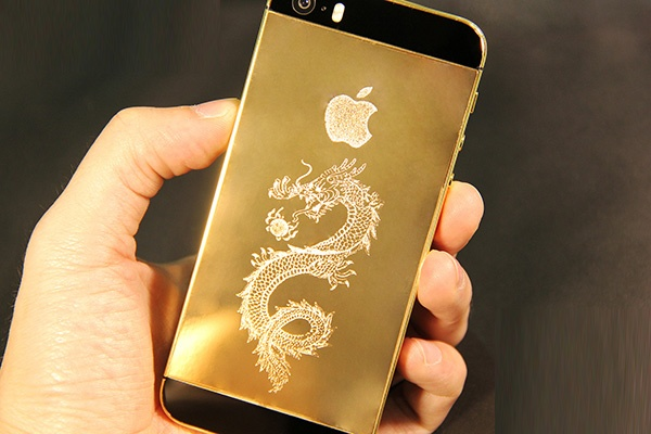 Con sot iPhone ma vang 24K phien ban 'Ma dao thanh cong' hinh anh