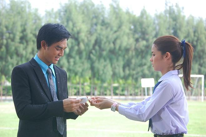 My nhan 'Dem dinh menh' bi phu bac trong 'Vi sao lac' hinh anh 2